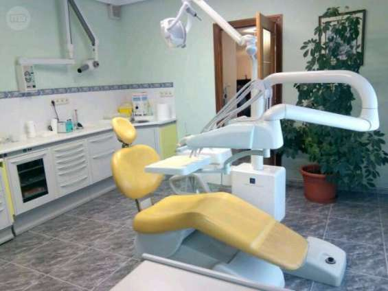 Vendo clínica dental en álava.
