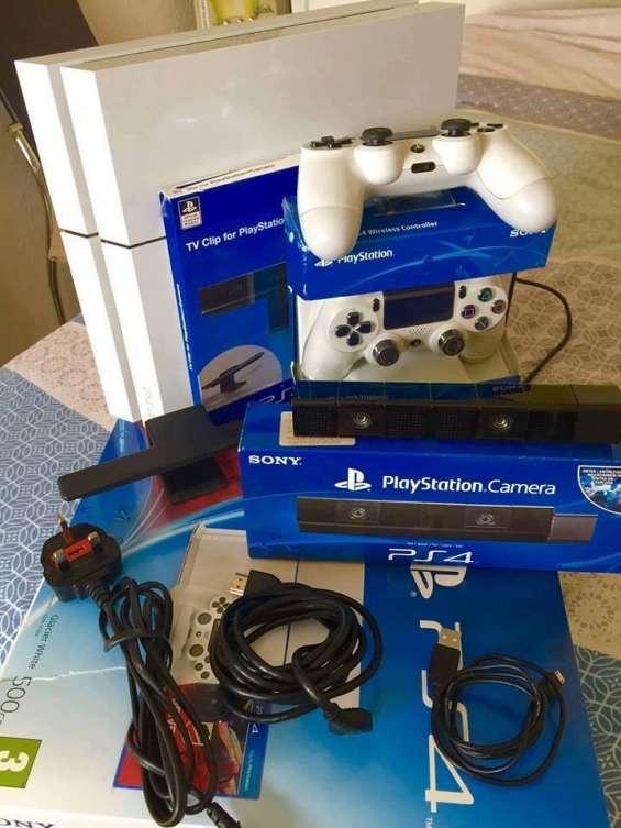 Sony ps4 pro 1tb console oro y blanco con 7 juegos €100 ventas promocionales